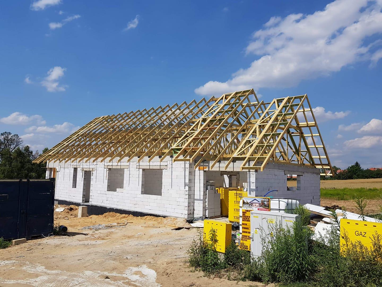 Konstrukcje dachowe drewniane - dom jednorodzinny Lubań