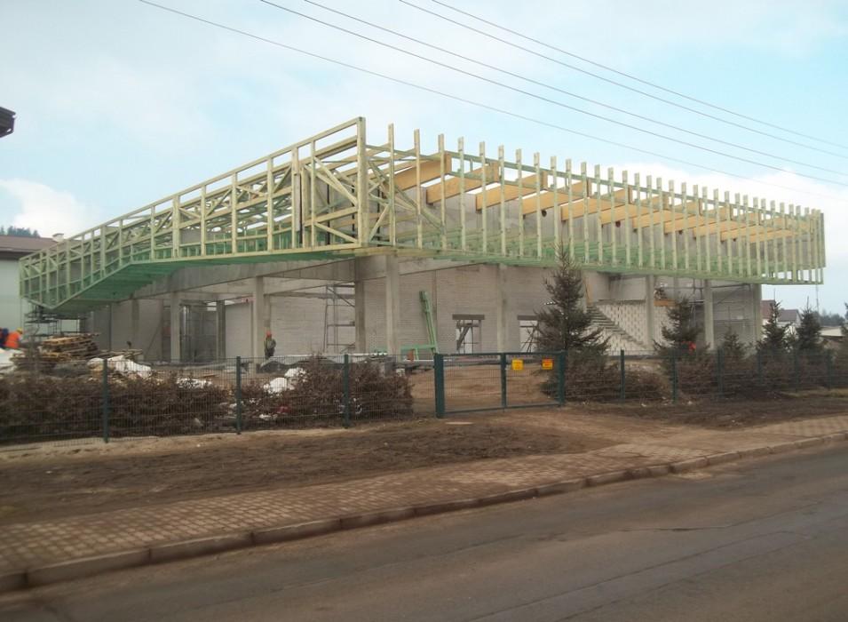 Drewniane konstrukcje dachowe - obiekt handlowy Czarny Bór
