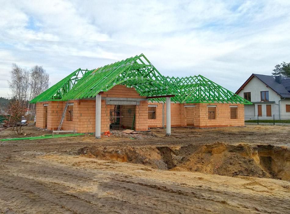 Konstrukcje dachowe drewniane - dom jednorodzinny Rożniątów